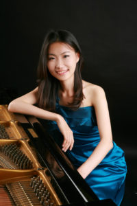 Dr. Hyejin Cho signs contract with Orpheus Classical Records